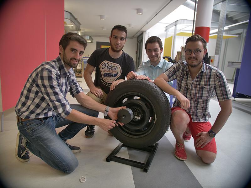 Un déboulonneur de roues usiné au Fab par les élèves
